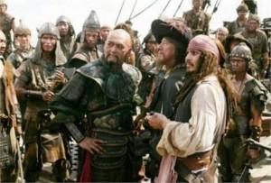 Fãs se vestem de piratas e conseguem entrar no trailer de Johnny Depp. Q inveja!