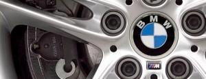 A BMW arma avant premier logo mais no Salão do Automóvel.