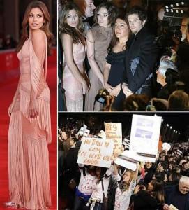 Gente, Eva Mendes repetiu um vestido dois dias seguidos! Mas a gente explica…