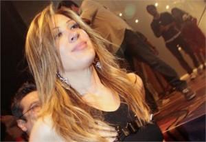 """""""Sou uma loira fake, sou inteligente"""", diz Claudia Raia."""