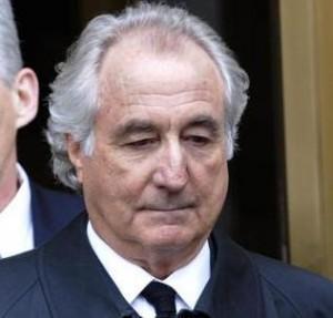 Bens de Bernie Madoff serão leiloados. O lucro vai pras vítimas que ele roubou#vingança!