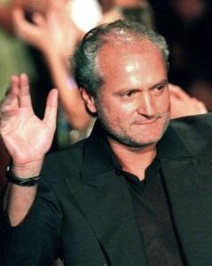 É cada uma que a gente ouve… Gianni Versace envolvido com a máfia???