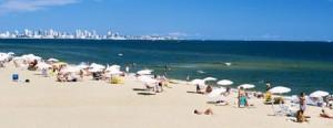 Os biquínis brasileiros estão fazendo um suceeeesso em Punta del Este