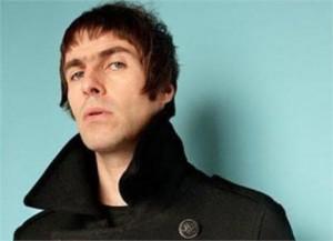 Liam Gallagher fala sobre nova banda, mas só se o nome de Noel for banido da entrevista
