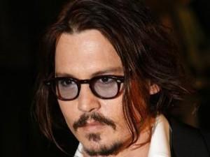 Johnny Depp é um homem de 1 bilhão de dólares!