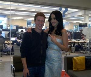 Katy Perry e Mark Zuckerberg são amigos, sabia?