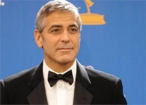 George Clooney com malária? Qm se habilita a cuidar dele???