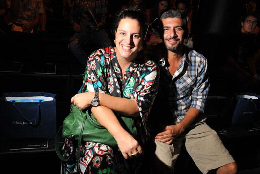Claudia Tannous e Sandro Akel: pausa para prestigiar a amiga