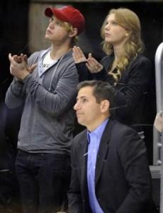 Taylor Swift está de casinho novo e ele canta, dança e representa!
