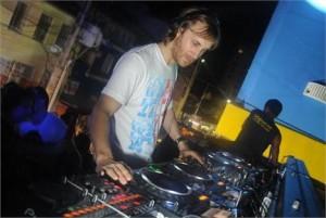 David Guetta foi eleito o DJ número 1 do mundo
