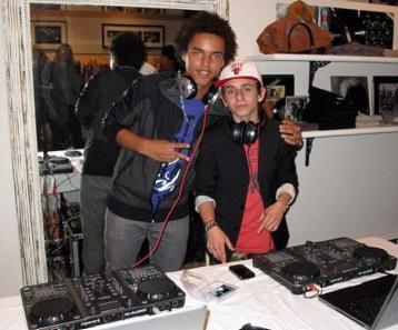 Connor Cruise com o DJ Jake Isham: uma nova profissão e música para a madrasta