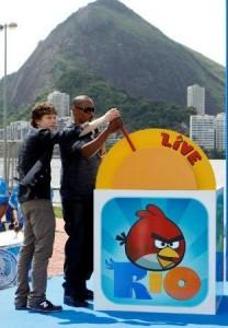 Jamie Foxx diz que já conhecia o Brasil através de sites que não deve mencionar. Vem ler!
