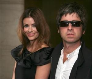 Quem diria… Noel Gallagher vai casar. E o irmão, será q vai ser convidado ou não?