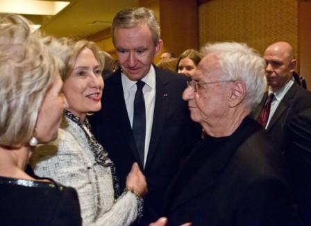 Hillary Clinton, Bernard Arnault and Frank Gehry: powerful meeting in Washington