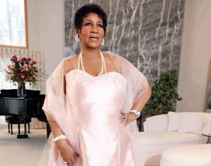 Aretha Franklin volta a gravar