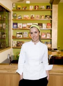 """A chef Morena Leite lança hoje o livro """"Capim Santo – Receitas Para Receber Amigos""""!"""