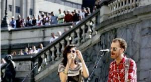 Glamurama viu Mariana Aydar e Nando Reis soltando a voz no centro de São Paulo!