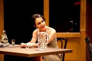 Silvia Buarque estrela curta que está em Cannes e atua em duas peças no Rio. Não é pouco, né?