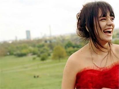 Lily Allen: honeymoon on speaker