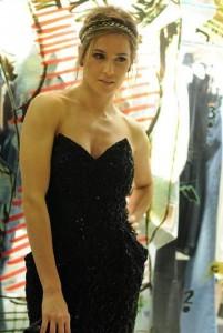 Deborah Secco vai desfilar com exclusividade no Fashion Rio. Sabe p/ qual marca?