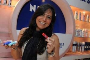 A promoter Carol Sampaio é viciada em… protetor labial da Nivea!