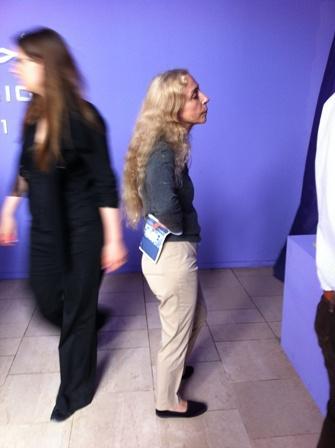Franca Sozzani: conversinha entre uma instalação e outra