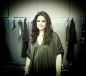 Adriana Degreas explica a coleção de verão 2012 a la Sônia Braga
