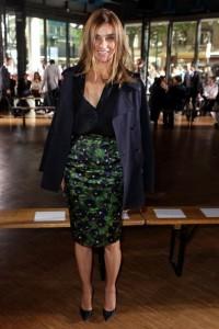 E Carine Roitfeld assistiu ao desfile masculino da Givenchy – e ela não sentou na fileira destinada à imprensa…
