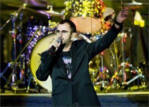 Atenção Beatlemaníacos: Ringo Starr já confirmou que vem ao Brasil em novembro!