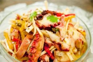 Quer impressionar seus amigos com um jantar incrível sem ter aquele trabalhão na cozinha? Siga a dica…