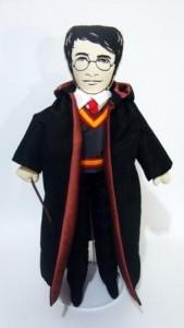Harry Potter virou boneco pra dormir abraçado – ao menos, numa loja do Rio…