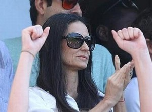 Demi Moore não está nem aí para o estilo ageless!