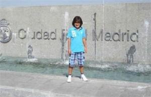 E o Real Madrid q contratou um menino de sete anos??? Talento precoce, hein?!