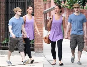 Foi revelada a identidade da namorada de Daniel Radcliffe: trata-se da assistente de produção Rosanne Coker, 22 anos