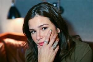 """A apresentadora Carol Ribeiro, do """"IT MTV"""", revelou ao Glamurama o esmalte que está amando no momento"""