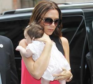 E @victoriabeckham diz que Harper Seven se sentiu em casa na primeira visita à loja da Prada em NY