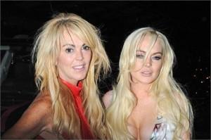 """Lindsay Lohan acabou com a festa da revista """"V"""", em NY. Teve até ambulância, gritaria e confusão!"""