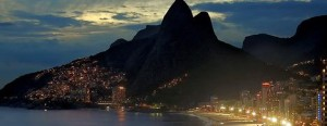 Paula Lavigne fez festinha em casa nesse domingo no Rio! Vem saber o que rolou!