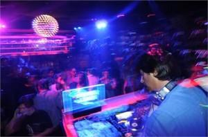 Glamurama acompanhou uma turma de festeiros brasileiros nesse domingo no Summer Play, em Miami