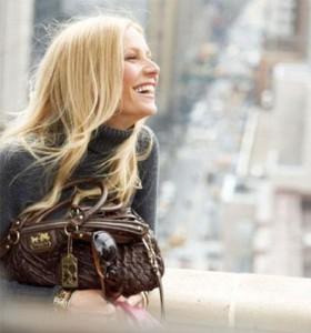 Gwyneth Paltrow diz o que gosta entre quatro paredes