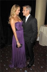 George Clooney pediu para a namorada apagar a conta dela no Twitter! Que absurdo, né, @stacykeibler?