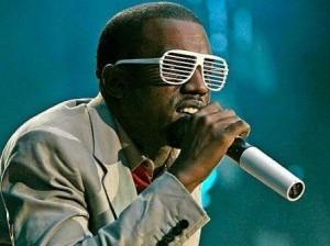 Vcs não vão adivinhar com quem esbarramos na Mynt ontem!!!! Só Kanye West!! Todo comportadinho o menino… aiaiii