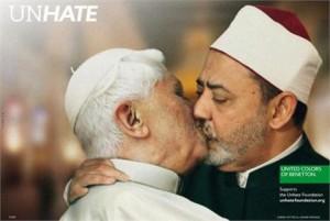 E não é que a Benetton retirou a foto polêmica do Papa beijando Ahmed Mohamed el-Tayeb?