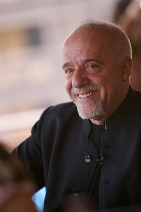 Paulo Coelho: conversa no Twitter